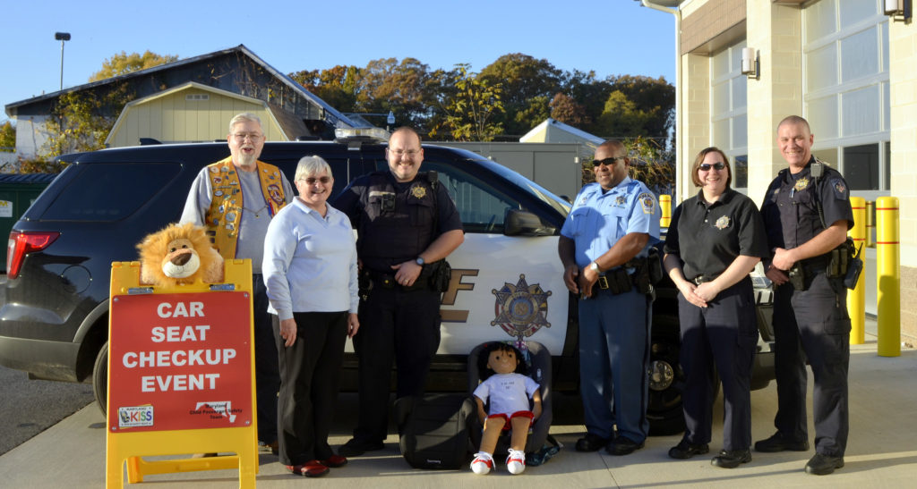 Lions & Church of the Ascension Donate Car Seats to COPS