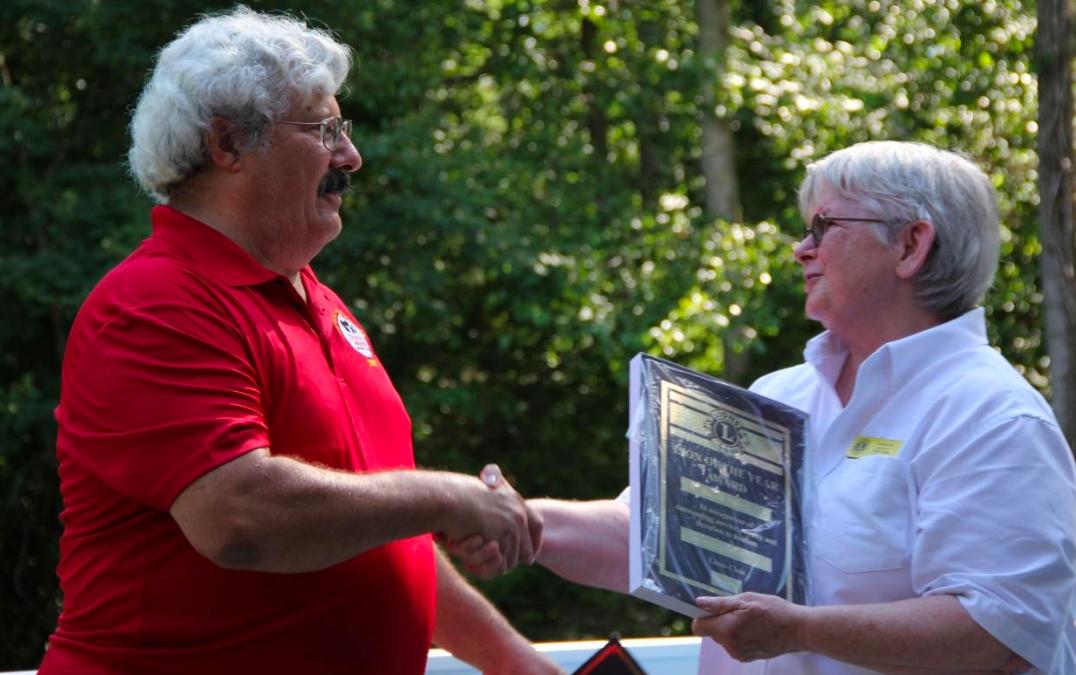 Lions Award Bob Hayward as Lion of the Year